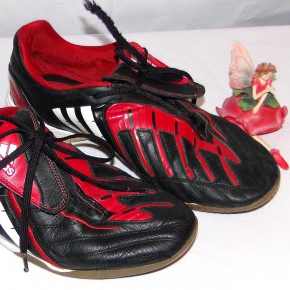 online retailer 544a7 6e207 adidas Other - Adidas Predator Indoor Soccer Shoe Size 10.5